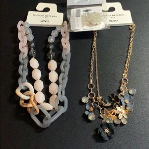 Lot 2 NWT BR FACTORY NECKLACES +Free Earrings